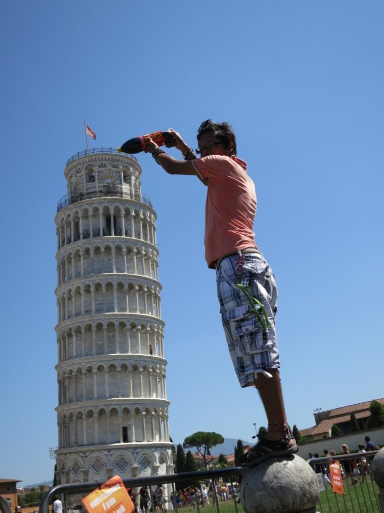 今日のコーラ ピサの斜塔と