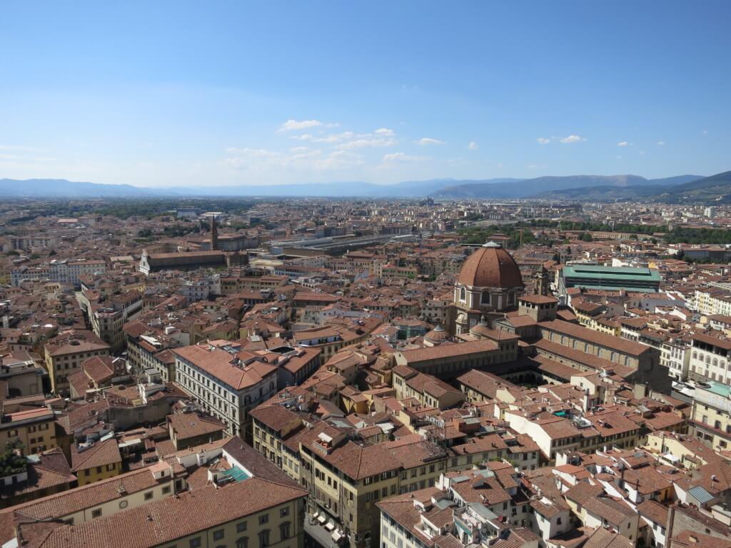 フィレンツェからピサの行き方!日帰りでも行けるよ!