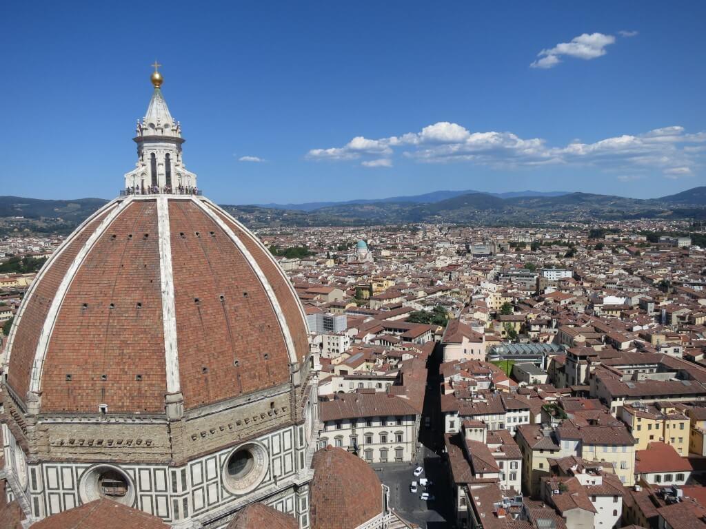 フィレンツェのドゥオモよりも「ジョットの鐘楼」がベスト!街を一望できるよ♪