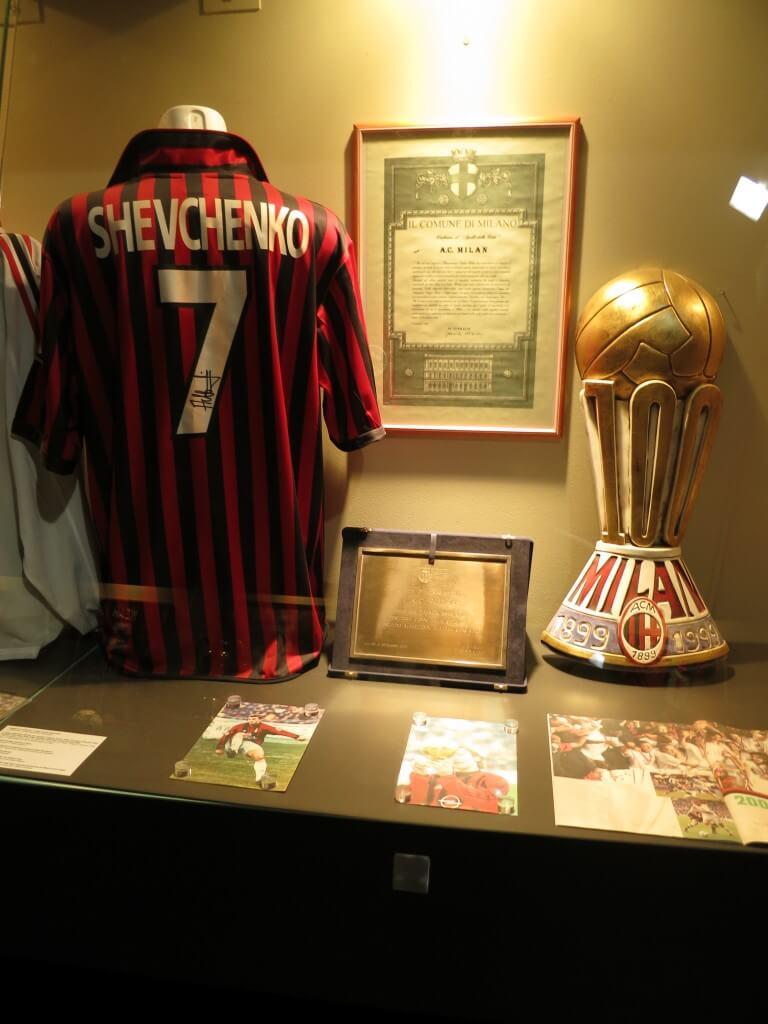 シェフチェンコ ユニフォーム サンシーロスタジアム ミラノ イタリア