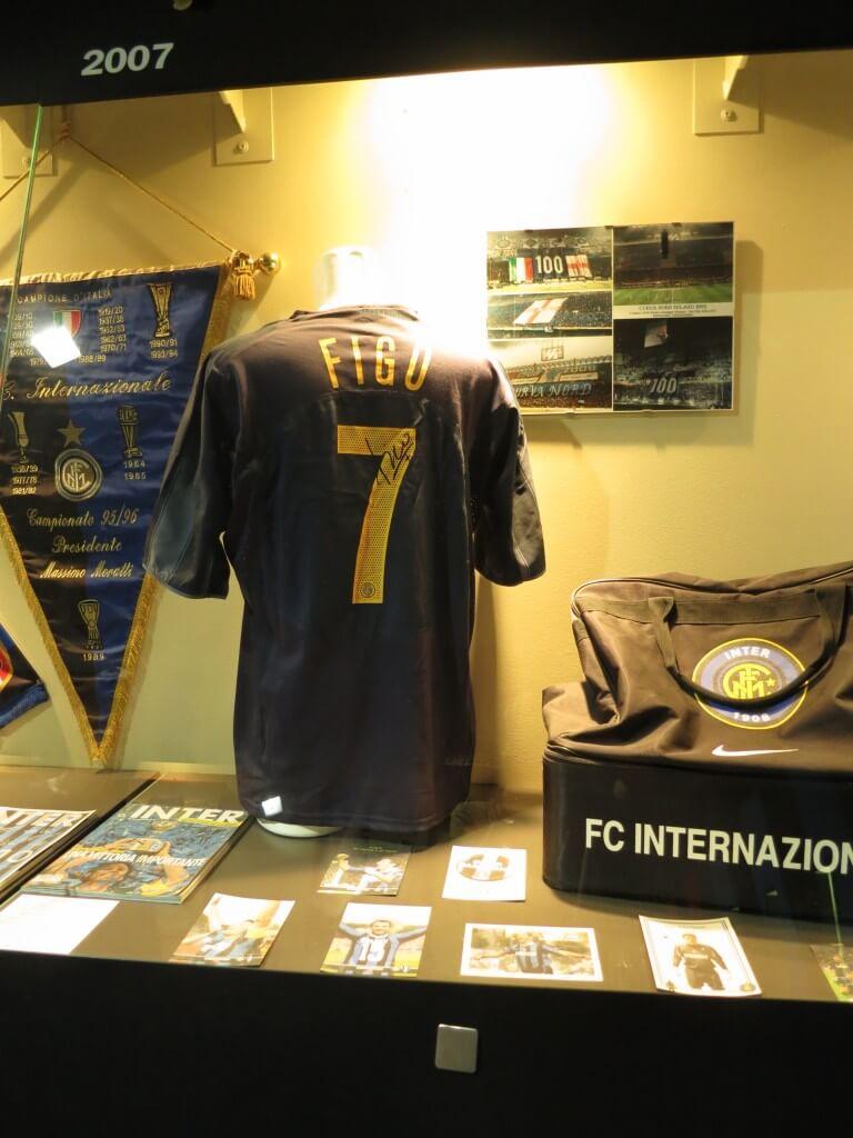 フィーゴ ユニフォーム サンシーロスタジアム ミラノ イタリア