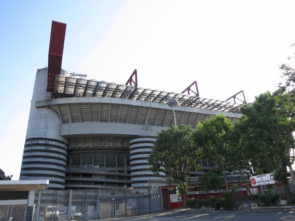 インテルとACミランの本拠地 サン・シーロ スタジアム ミラノ イタリア