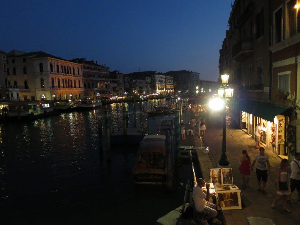 ベネチアの観光で初めて行く人が知りたい内容やお土産を紹介するよ