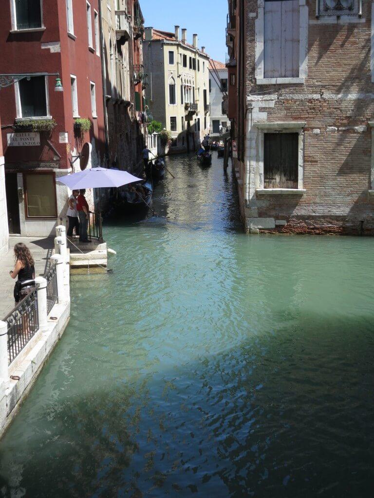 もうヴェニスの楽園!ベネチアは水路がいたるところにあり、まるで水上都市!