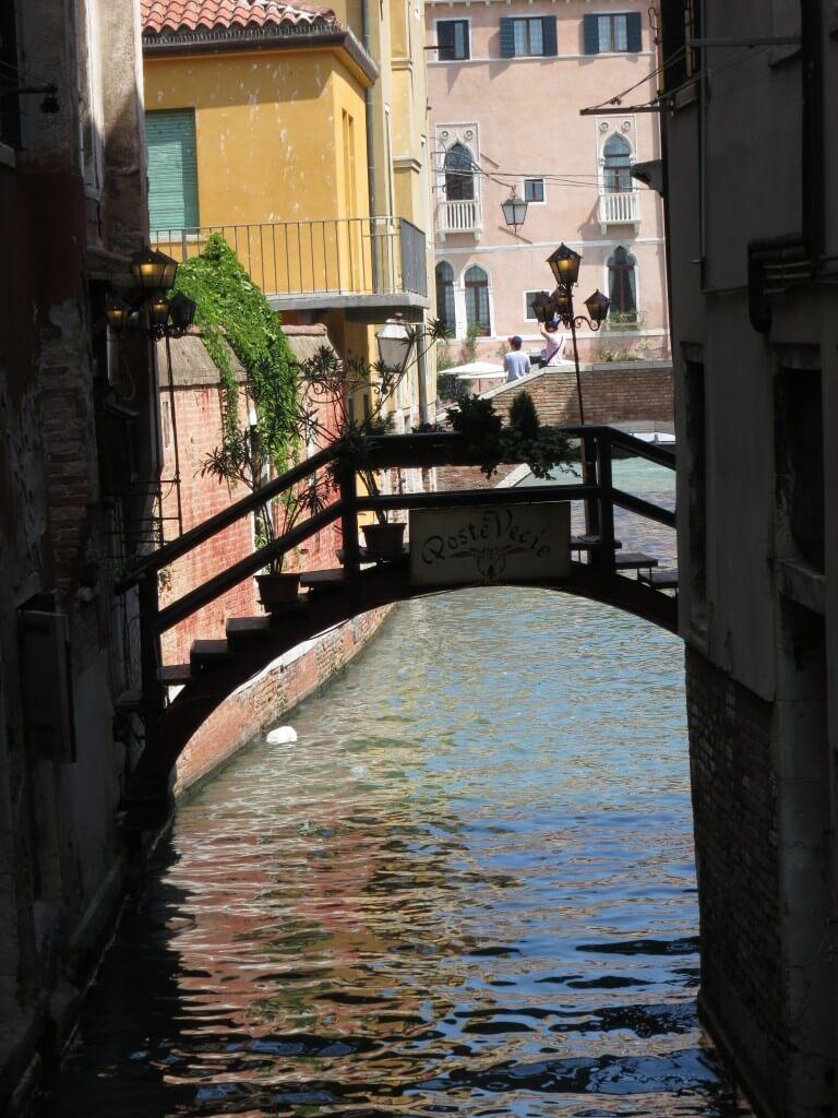 ベネチア ヴェニス 水路 小船 フルーカー 連絡船
