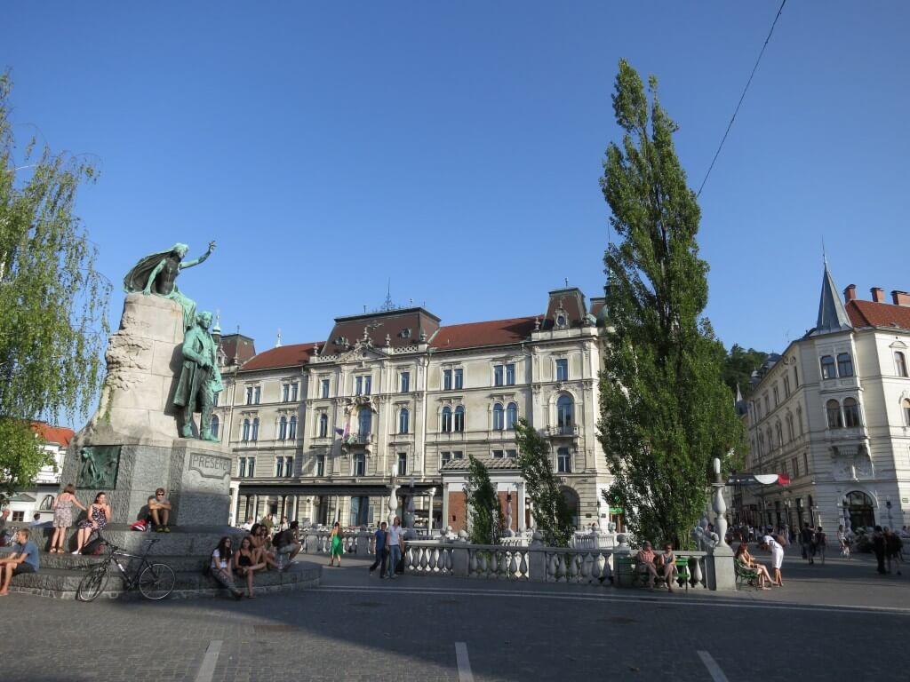 苦労して着いたスロベニアの首都 リュブリャナは大好きな街になりました。