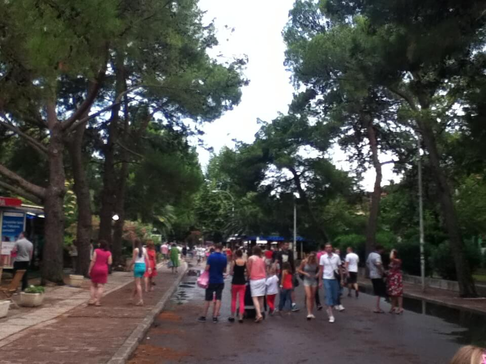 モンテネグロの首都はポドゴリツァ。変なヤツに絡まれるし、さっさと移動