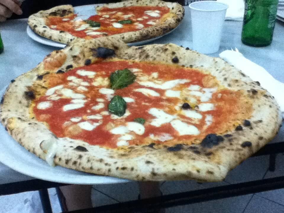 マルゲリータ アンティーカ ピッツェリア ダ ミケーレ(ナポリ) Pizzeria da Michele  ナポリ イタリア ピザ