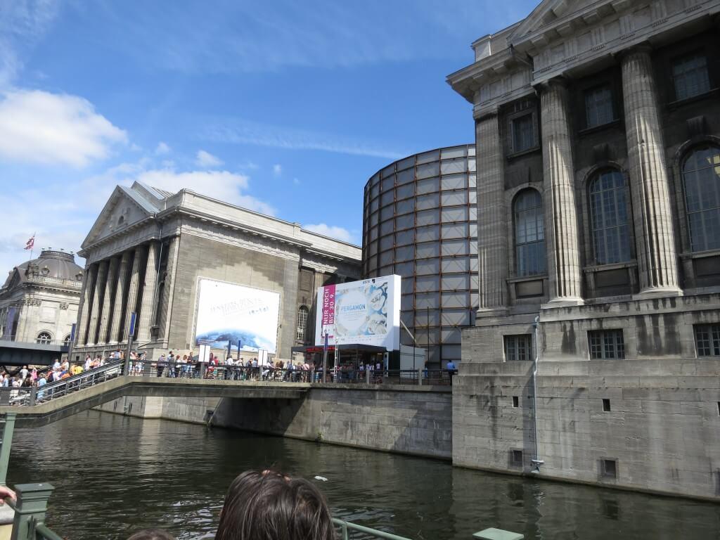 ペルガモン博物館はルーブル美術館、大英博物館と並び称される世界有数の博物館 無料