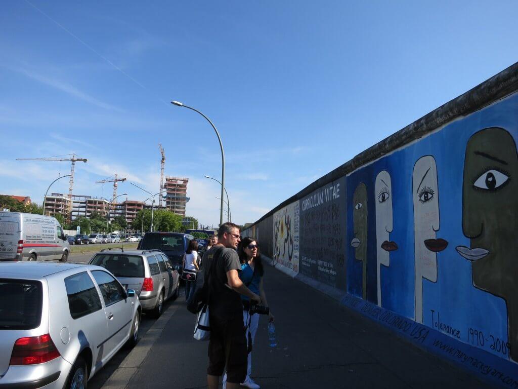 当時はドイツという国ではなく「東ドイツ」、「西ドイツ」だった ベルリンの壁