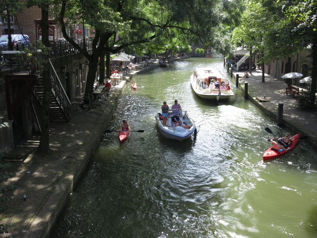 ユトレヒト 運河 遊覧船 カヌー 癒し