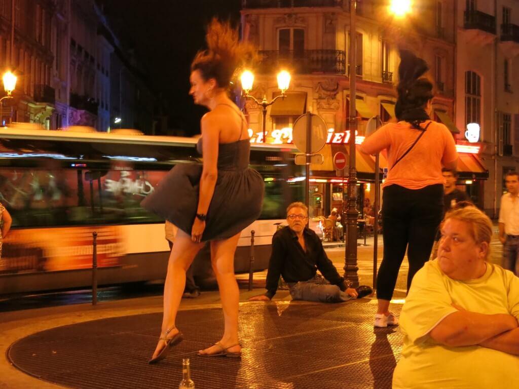 マリリンモンローになれるセクシースポット キャバレー通り パリ フランス