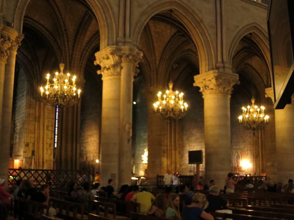 ノートルダム大聖堂 観光地 パリ フランス