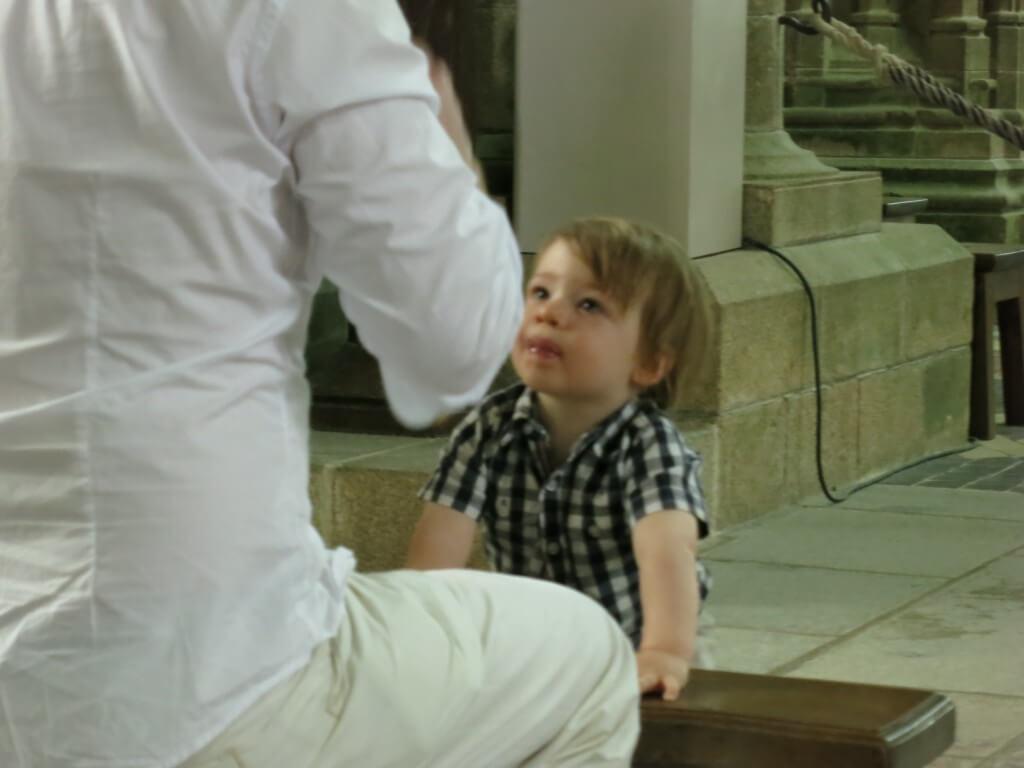 モンサンミッシェル 外国人の子供