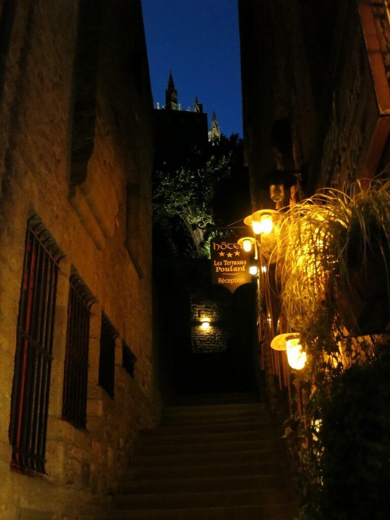 モンサンミッシェル 夜 夜景 街