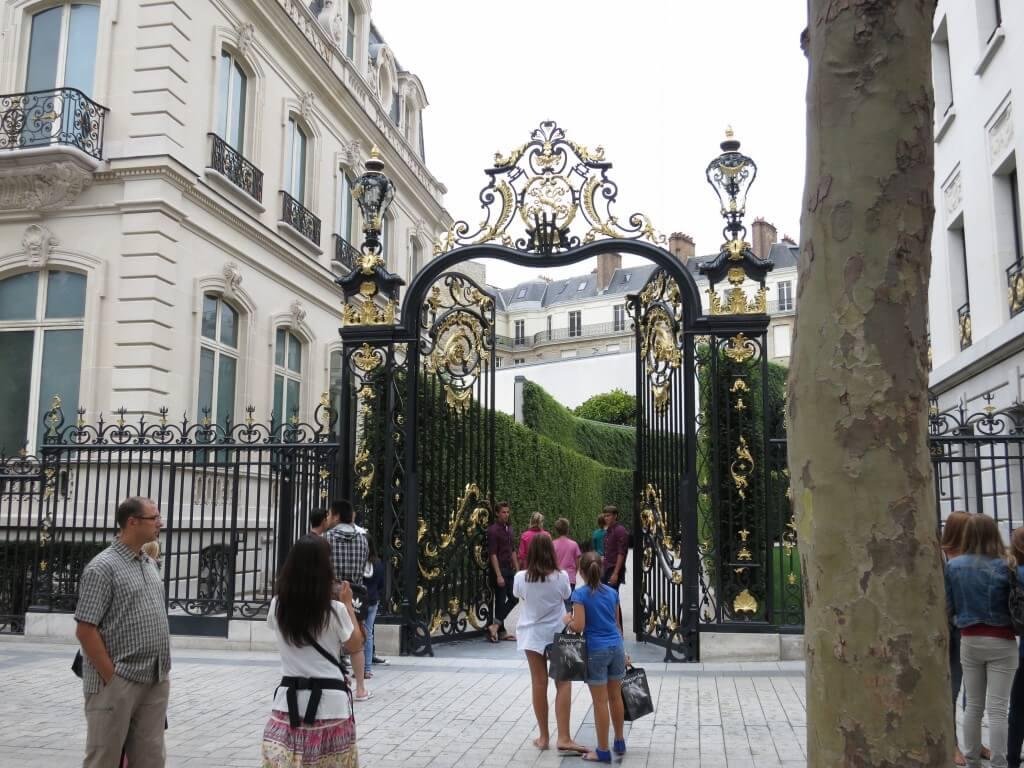 アバクロ イケメン パリ シャンゼリゼ通り フランス