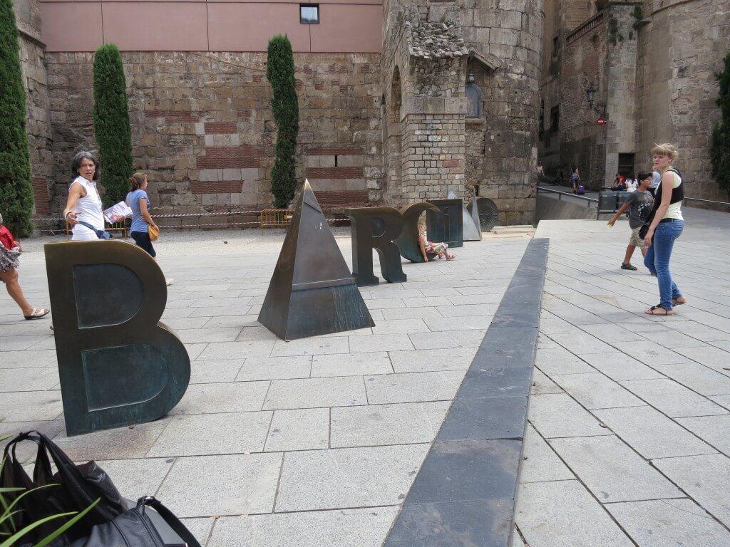 バルセロナ おしゃれなモニュメント スペイン