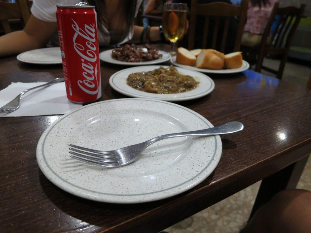 今日のコーラ 豪華な食事とコーラ