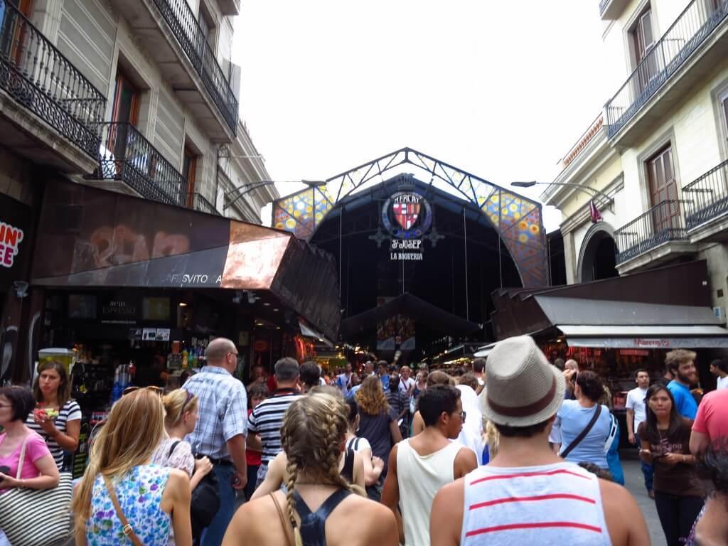 バルセロナの「サン・ジョセップ市場」 生ハム 安い