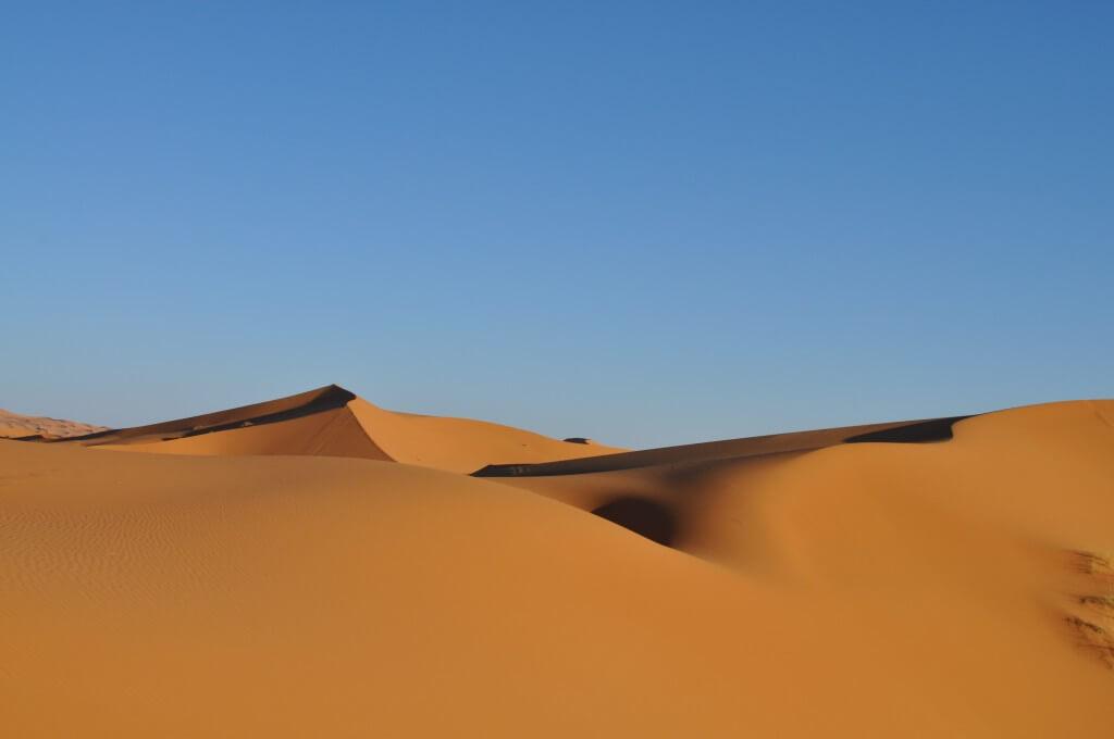 サハラ砂漠 景色 ツアー メルズーガ モロッコ