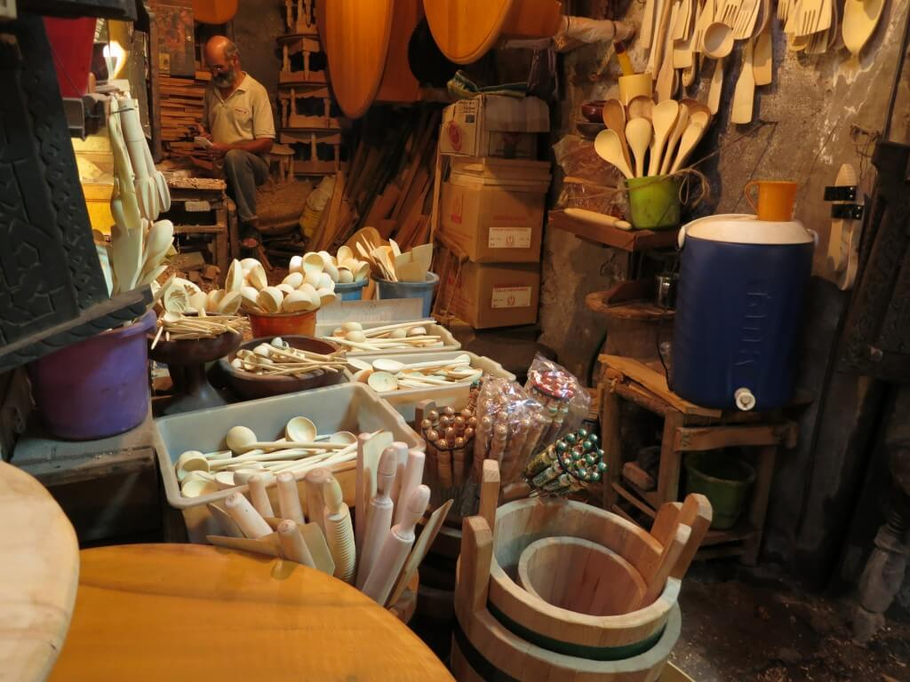 マラケシュの観光はフナ広場とメディナ!5,6倍の値段でフッカケてくるよ!