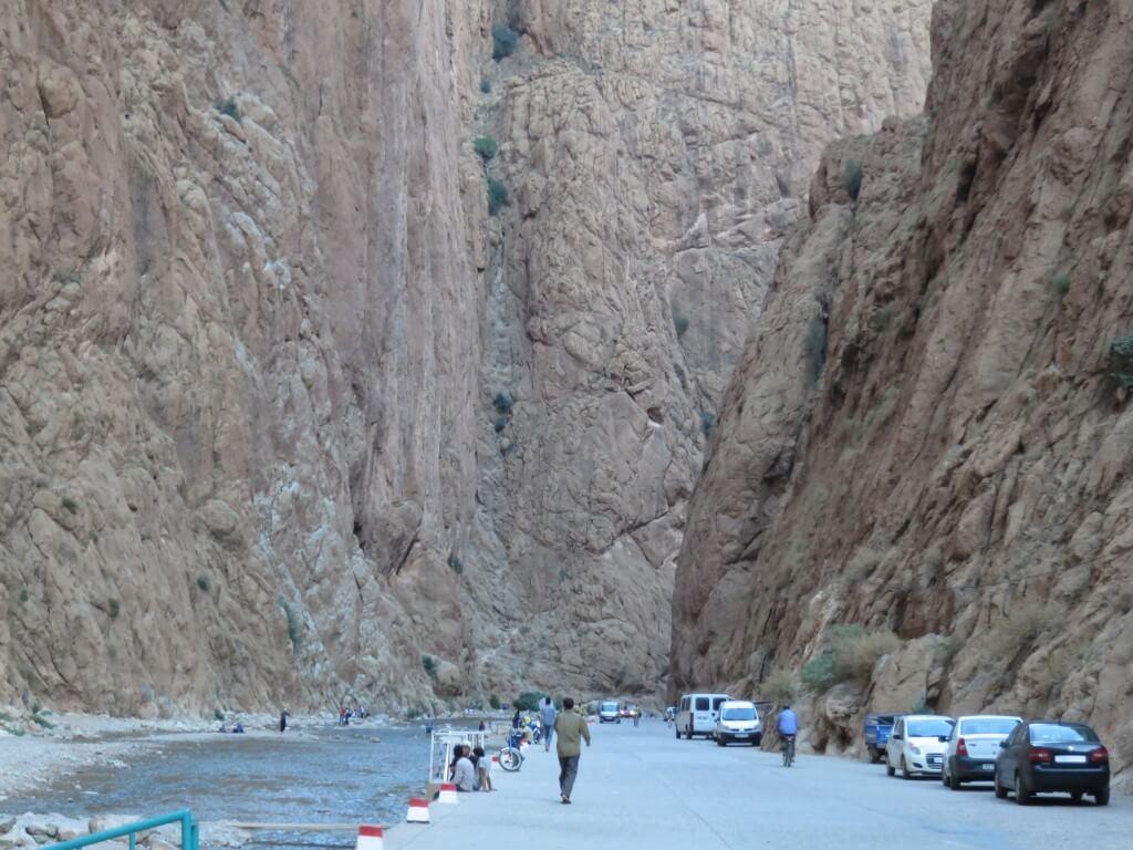 トドラ渓谷 ティネリール モロッコ