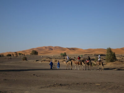 サハラ砂漠の街メルズーガの大砂丘!砂漠ツアー内容と日本人宿情報まとめ