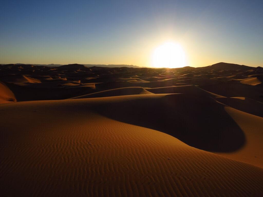 サハラ砂漠 サンセット 夕日 メルズーガ モロッコ