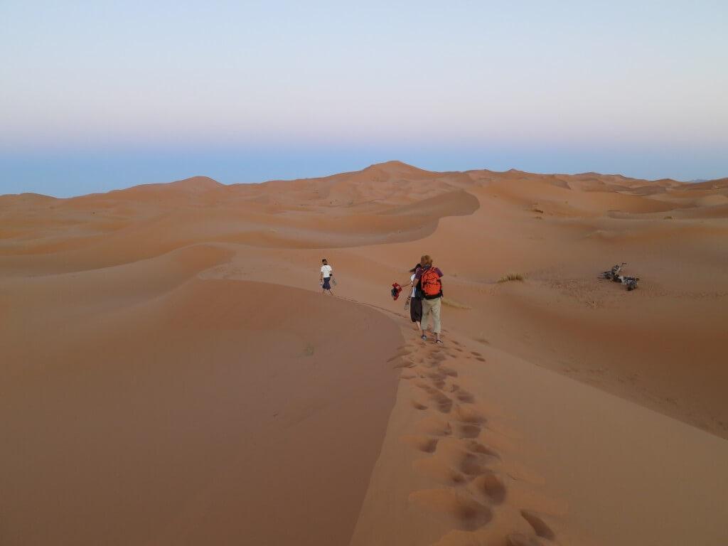 サハラ砂漠のサンセットは格別!!大砂丘に沈む夕日は砂のダイヤモンドリングだった