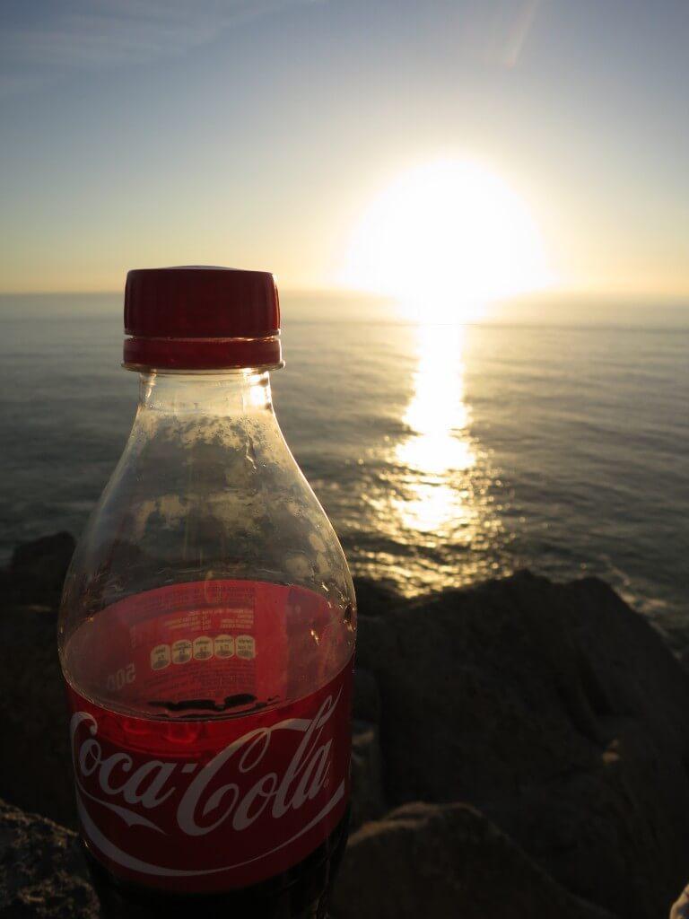 今日のコーラ ユーラシア大陸最西端ロカ岬の水平線に消える夕日