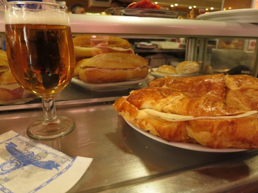 マドリードの観光で美術関係は夜・または曜日指定で無料で観光できますよ!