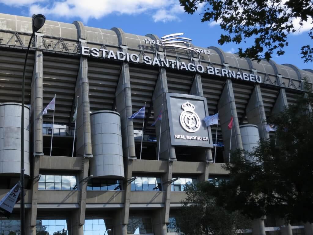レアル・マドリードの本拠地 エスタディオ・サンティアゴ・ベルナベウ スタジアム レアル・マドリード本拠地 サッカー
