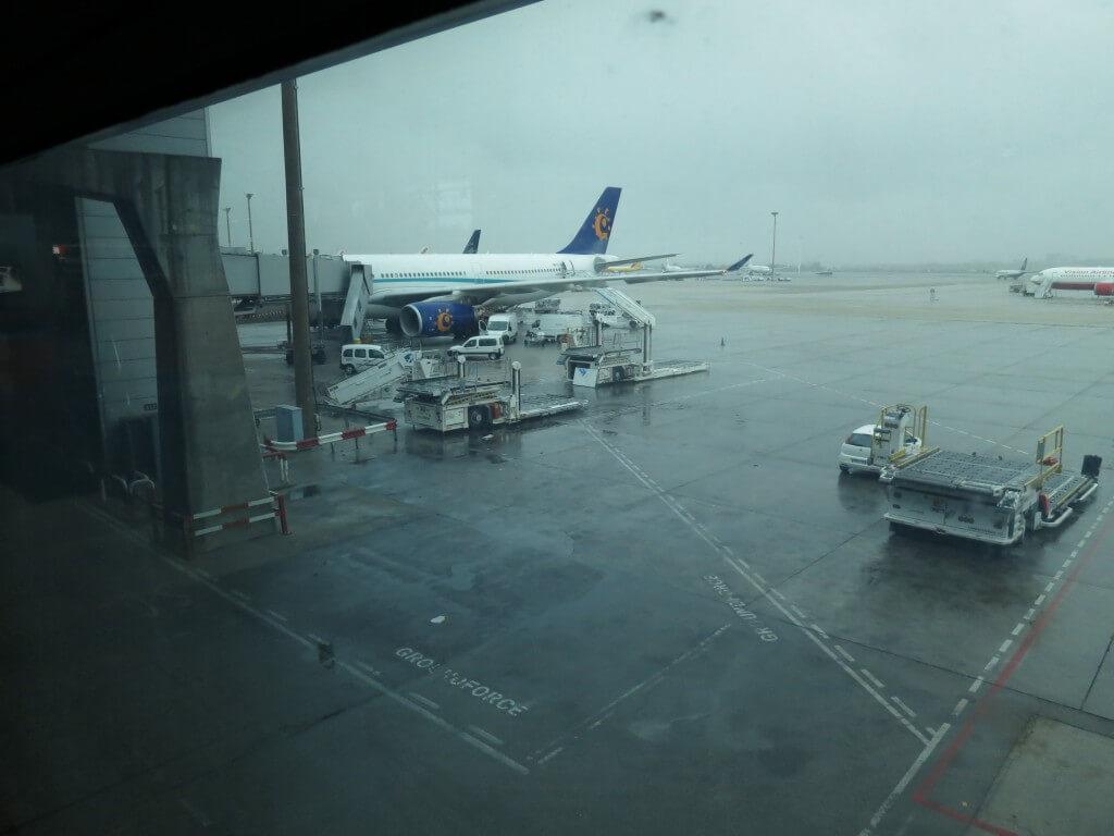 ヨーロッパ大陸から中米へ行き方は?格安のフライトは?片道航空券で入国できる?
