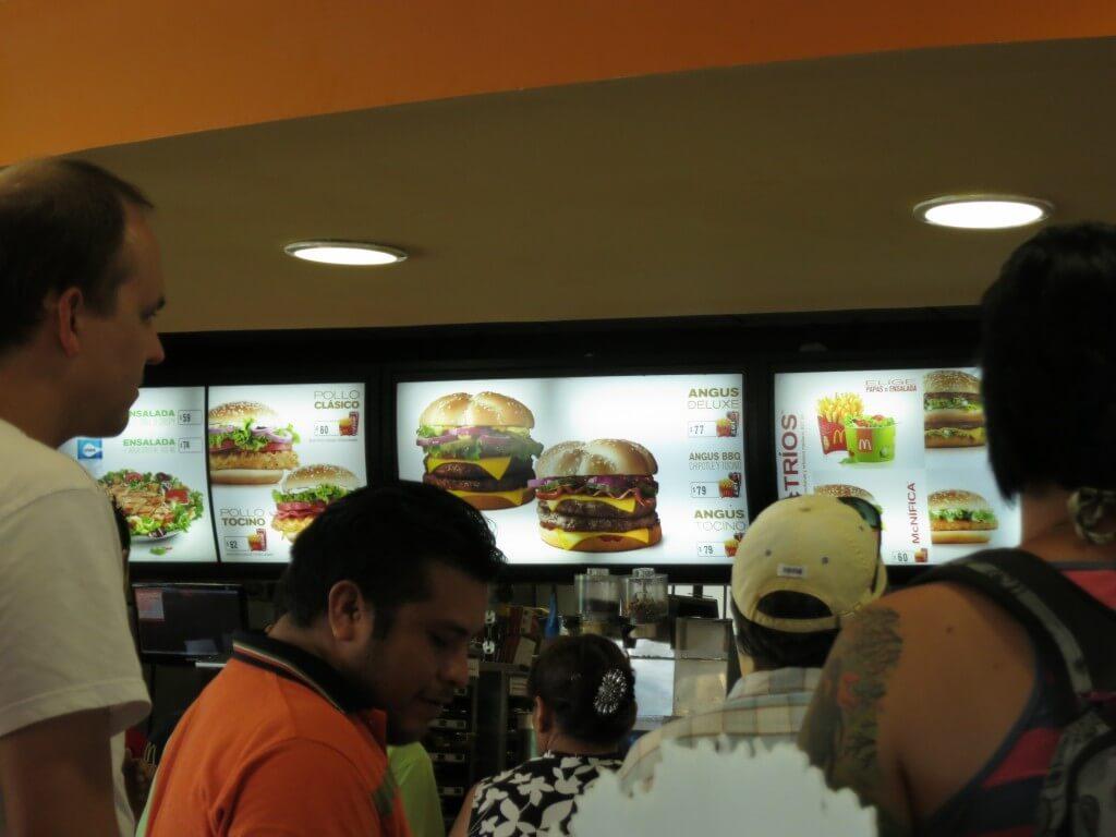 メキシコってマクドナルド、KFCなどアメリカ資本のフランチャイズ店が安い