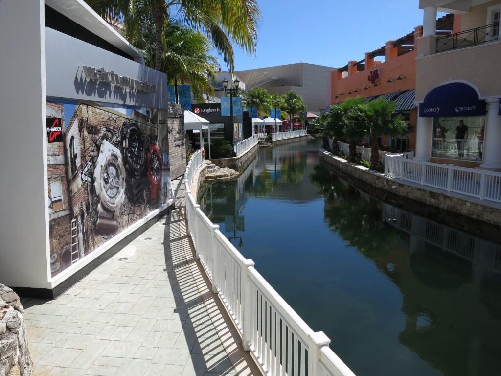 La isla Shopping Village(ラ イスラ ショッピングモール) カンクン メキシコ