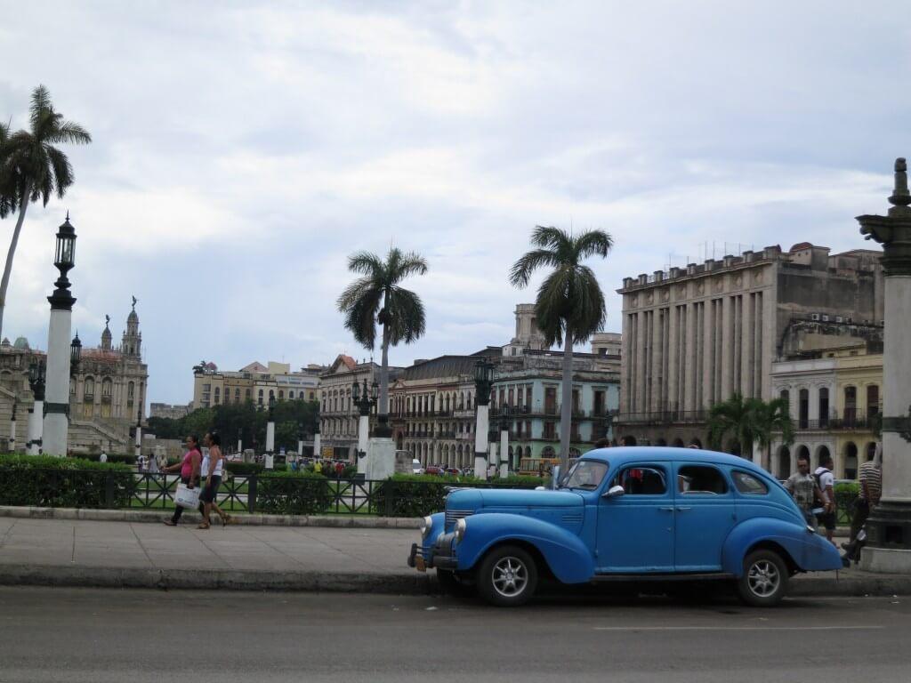 キューバの首都ハバナ!!宿はどこにする?てかカサか!