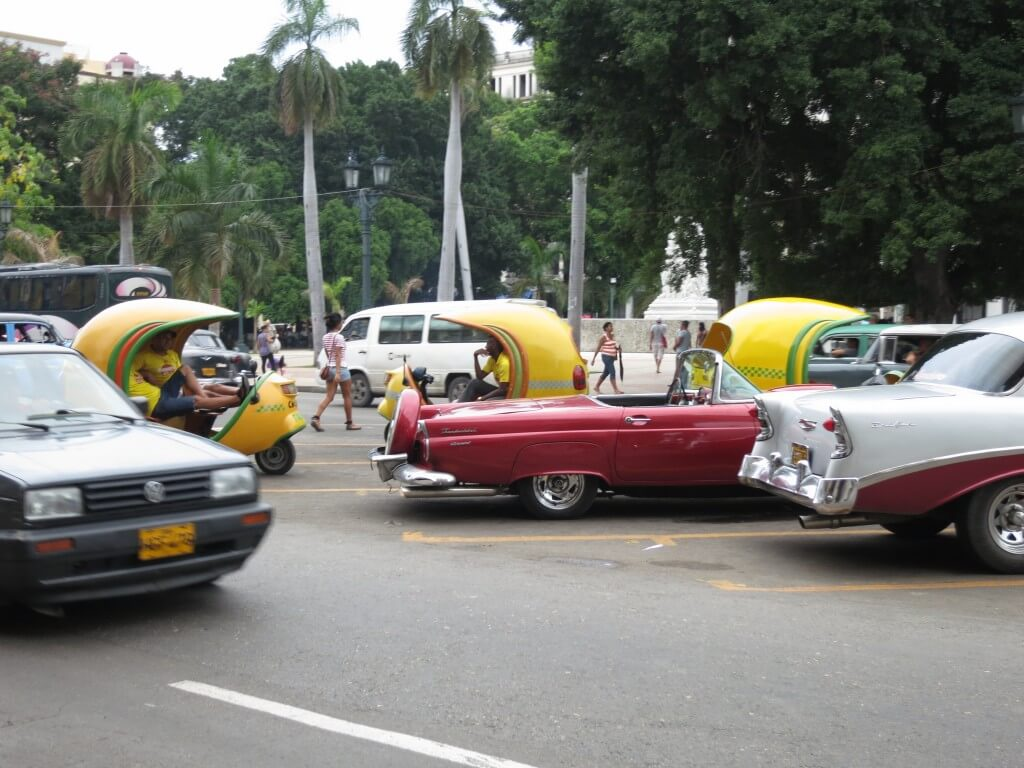 アメリカン クラシックカー ハバナ キューバ
