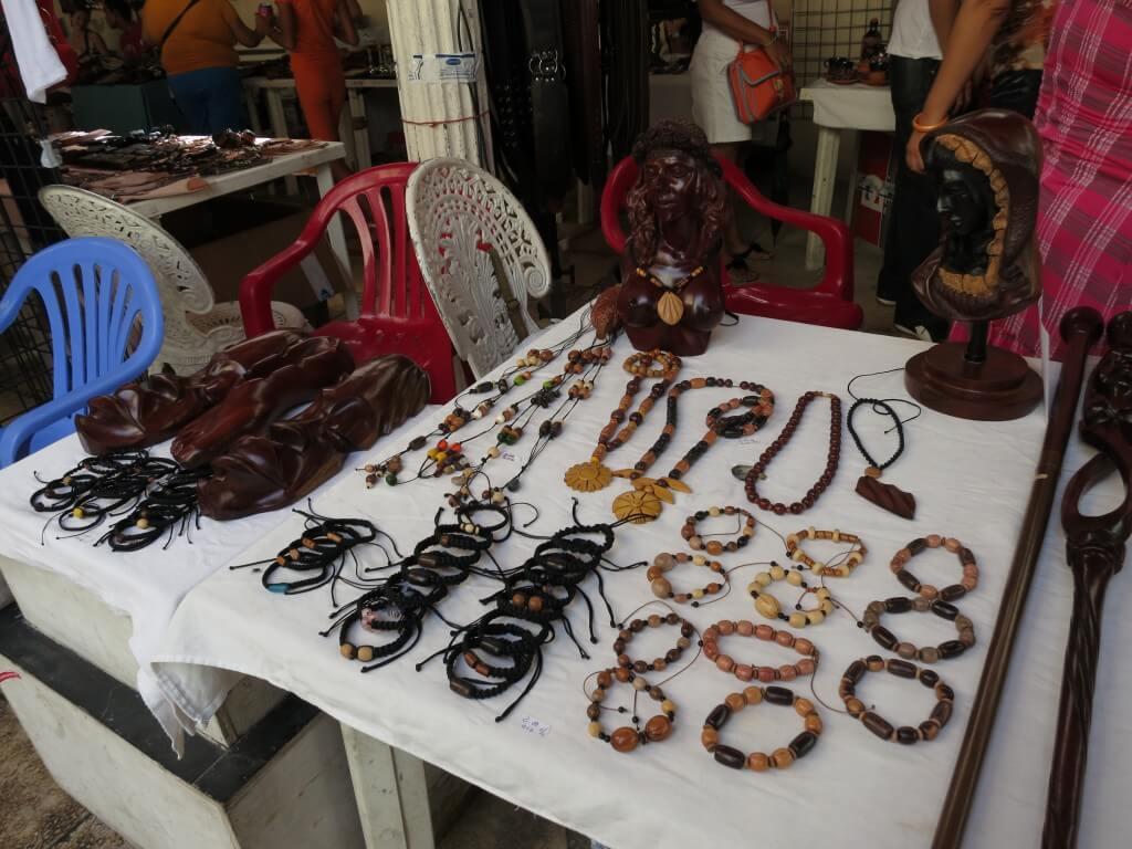 キューバ お土産 オビスポ通り ハバナ