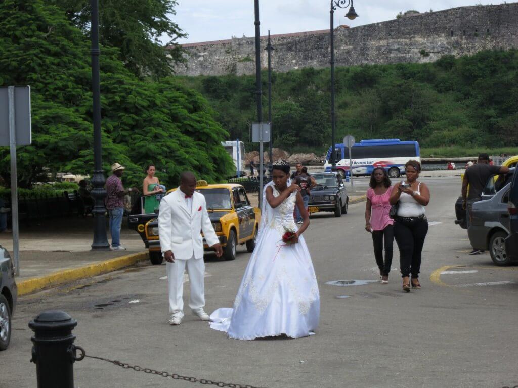 ハバナ 黒人 結婚式