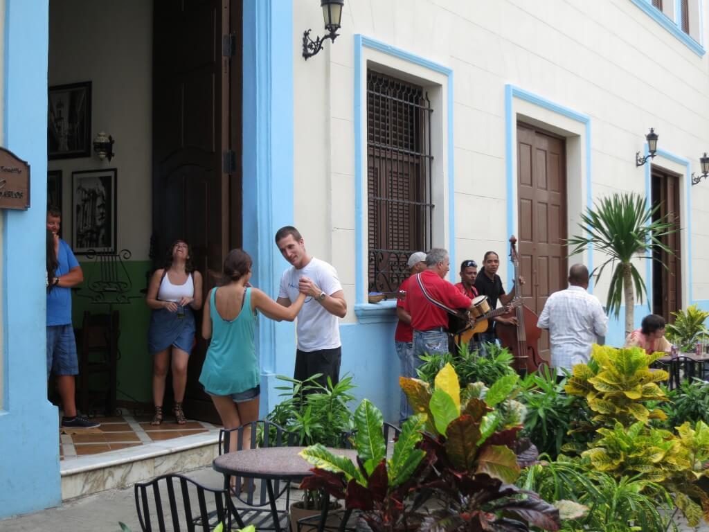 ハバナ サルサ 生演奏 キューバ
