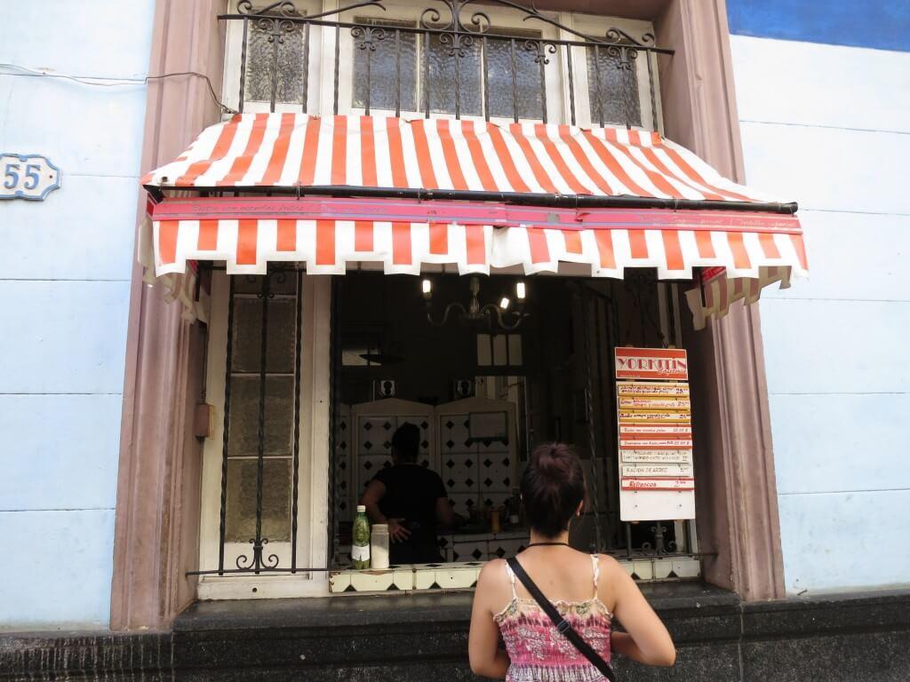 アニータさん、ホルヘさんのカサ近くの「人民食堂」がボクのハバナのエネルギー源