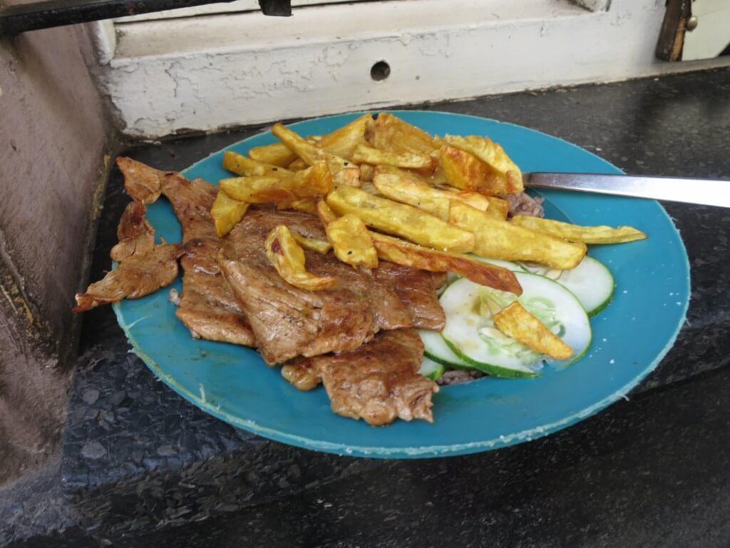 人民食堂 安い 肉 キューバ ハバナ
