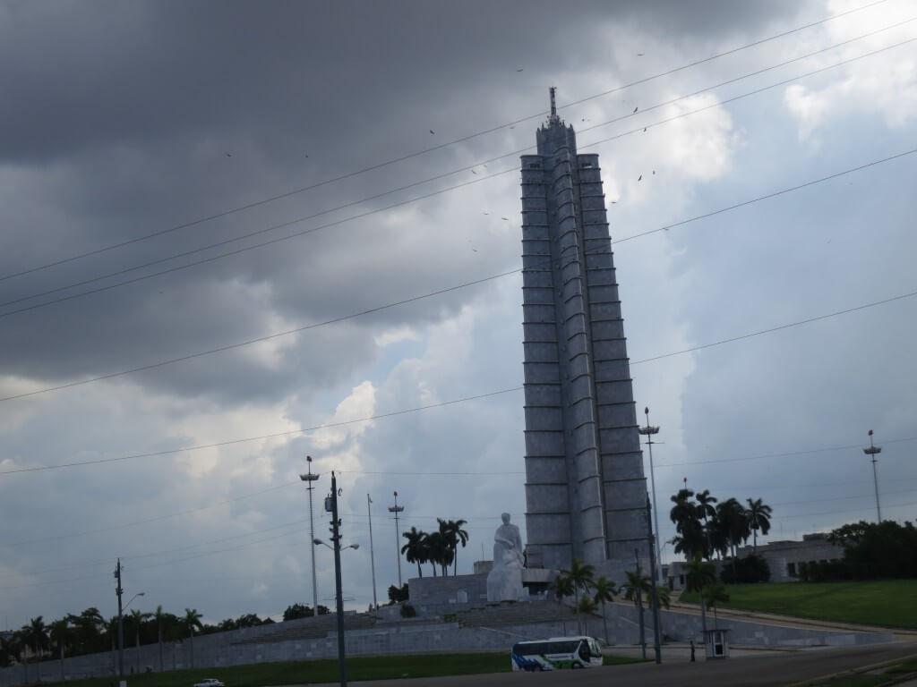 ハバナ 革命広場 チェゲバラ カストロ 演説 キューバ