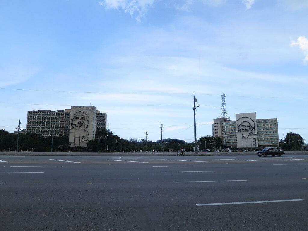 ミケーネ チェ・ゲバラ モニュメント ハバナ 革命広場 チェゲバラ カストロ 演説 キューバ