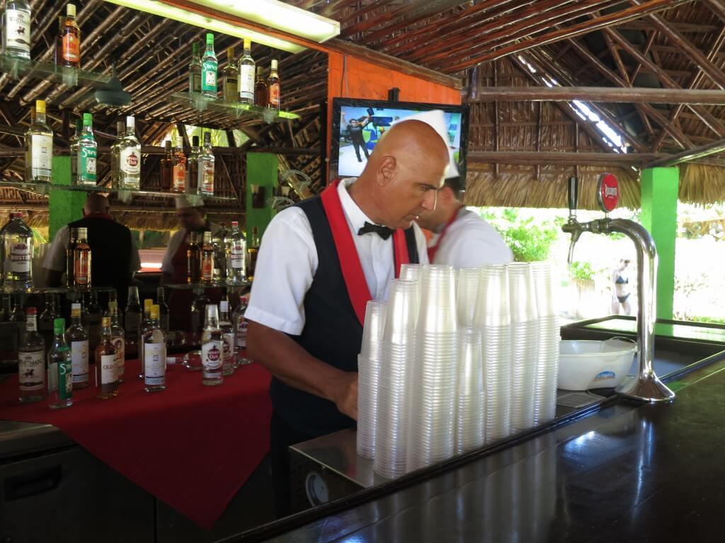 オールインクルーシブ ビーチリゾートホテル バラデロ キューバ