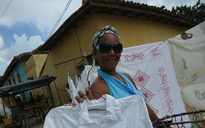 キューバの世界遺産のトリニダを観光!サルサにカンチャンチャラにお土産を紹介するよ