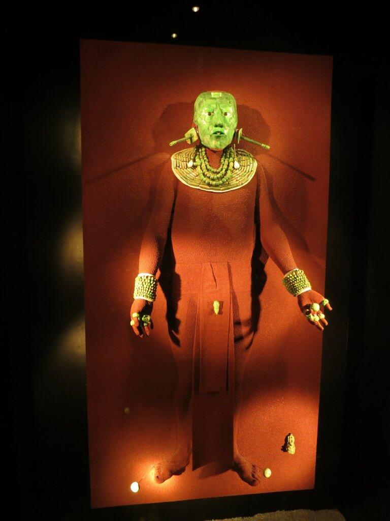 そして高度なマヤ文明 「ヒスイの仮面」にチャックモールが!