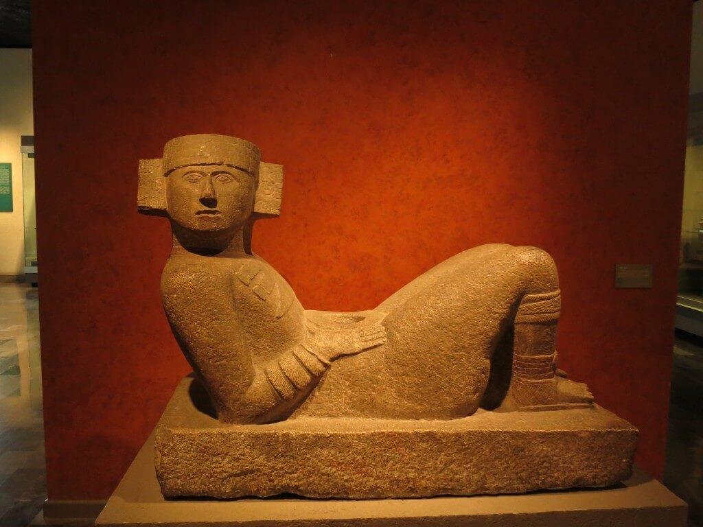 チャックモール像 メキシコ国立人類学博物館
