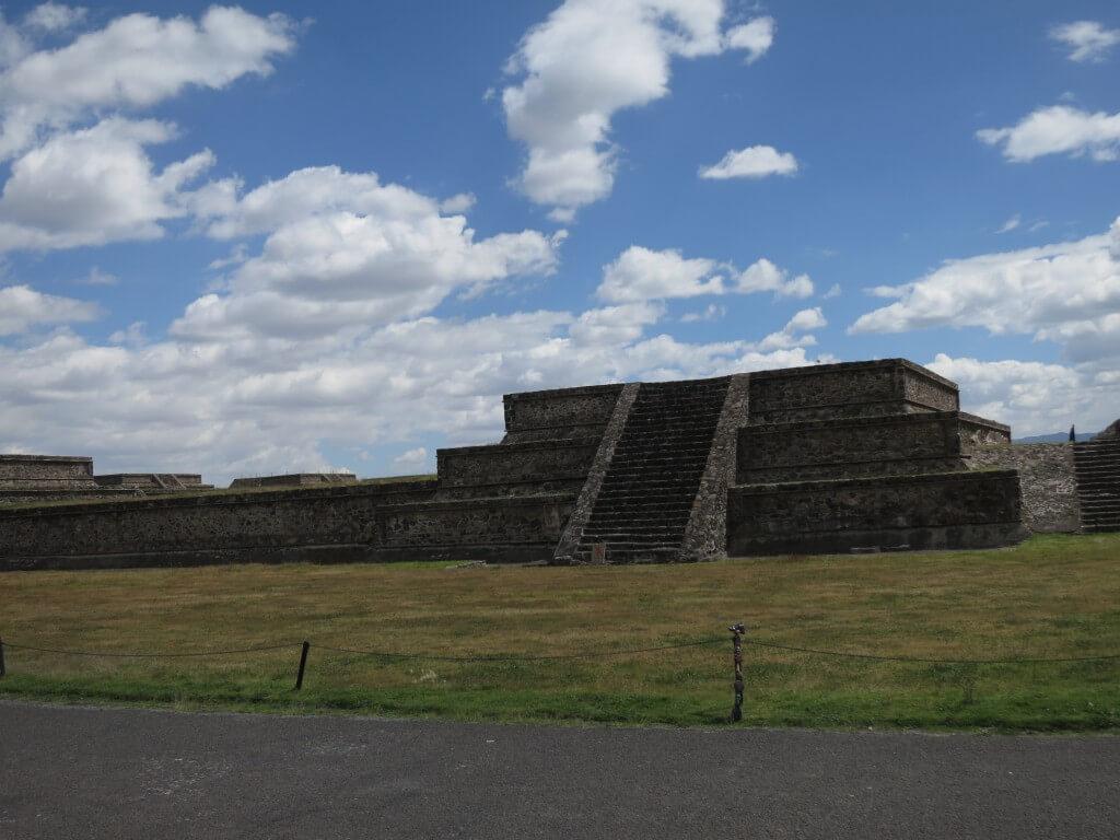 巨大な宗教都市遺跡「テオティワカン」 謎に包まれたこの遺跡とは?