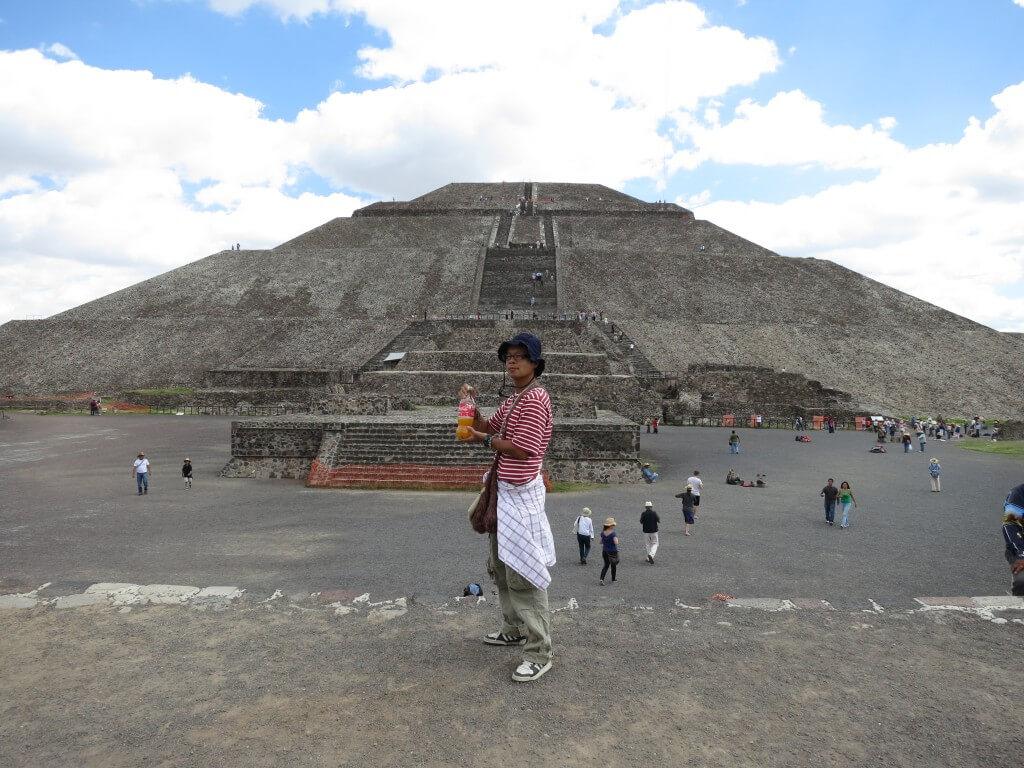 今日のコーラ 「太陽のピラミッド」は大きかった